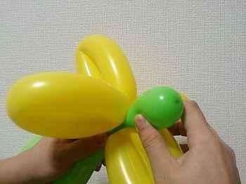 花(4枚)のバルーンアートの作り方_02