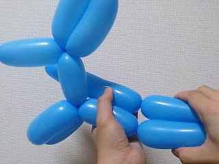 犬のバルーンアートの作り方_16